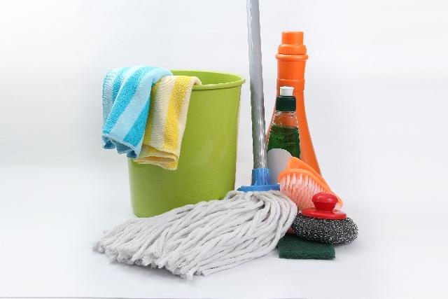 お布団やお風呂、床の掃除って毎日すべき?どうやるの?