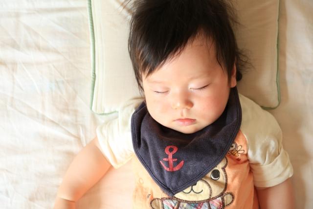 新生児のお布団選びのポイントをご紹介!硬さの選び方?