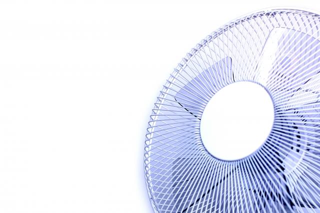 エアコンのある部屋から隣の部屋に冷気を送る!扇風機の効果