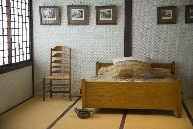ローベッドの下に収納スペースを!ベッドの高さを上げる方法