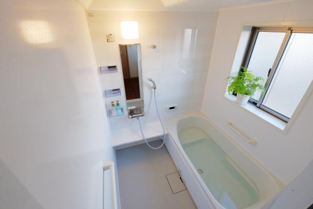 リラックス空間!お風呂場や寝室に設置する窓の高さとサイズ
