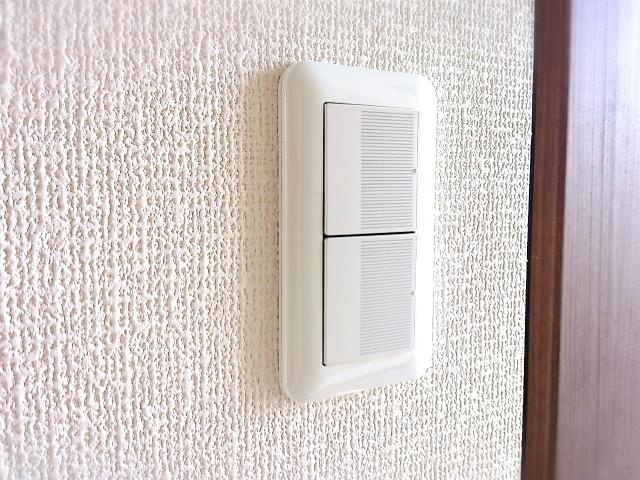 家の壁スイッチの位置に注意!寝室ライトを消すのには!?