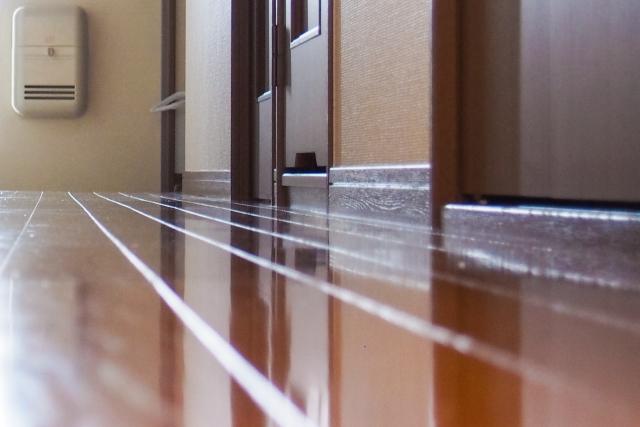 マンションのドアの隙間の音漏れ軽減方法と外からの防音対策