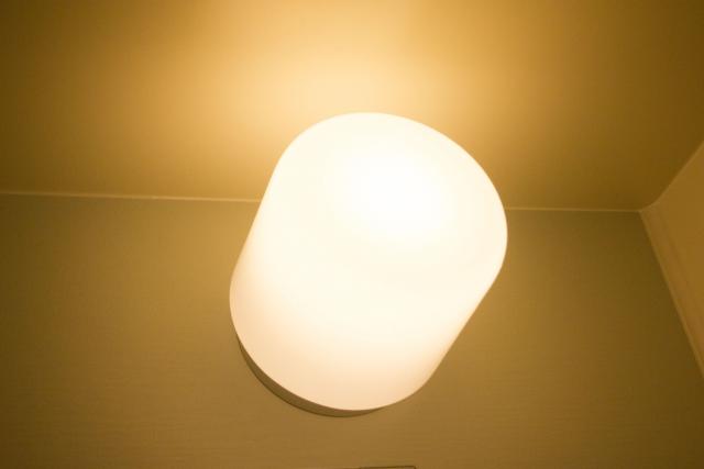 電気のカバーの外し方と、LED交換の注意ポイントとは