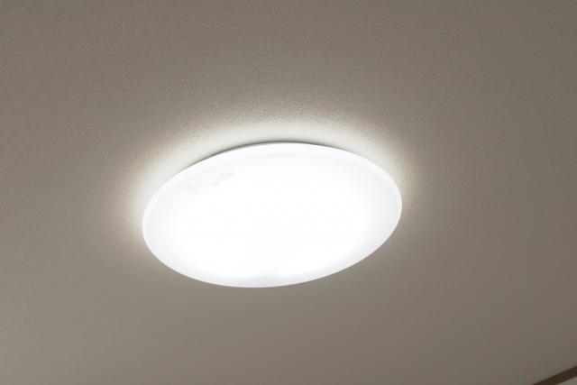 天井の電気を交換しよう!それぞれの部屋に適している色は?