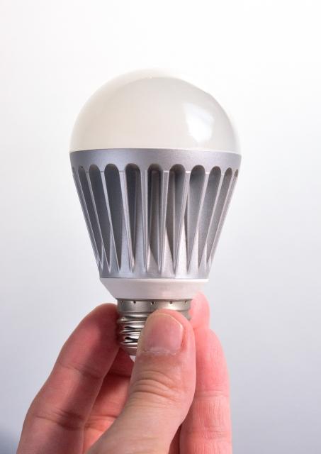 照明器具をおしゃれな物に交換しよう!天井照明の交換方法
