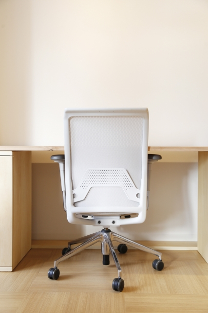 椅子の油圧が故障した時の応急処置方法や修理方法