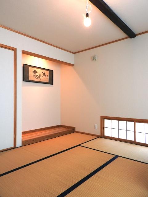 和室にベッドを置く「和モダン」レイアウトが人気?