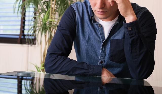 睡眠不足と過労はどのような症状が出る?その原因とは!