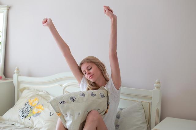 短時間睡眠でも気分良く起きる方法とは?上手に起きられる?