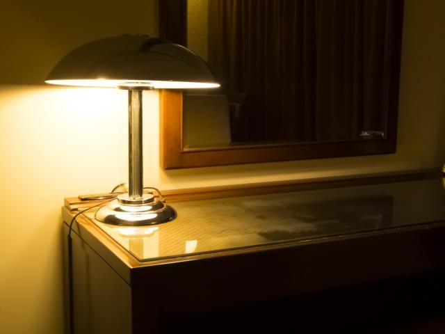 読書灯のおすすめ6選!ベッドサイドで使える便利アイテム