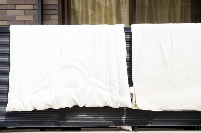 ポリエステルのお布団は洗濯できる?クリーニングに頼む?