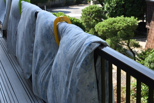 布団干しの汚れ防止アイテム4選!代用アイデアも紹介