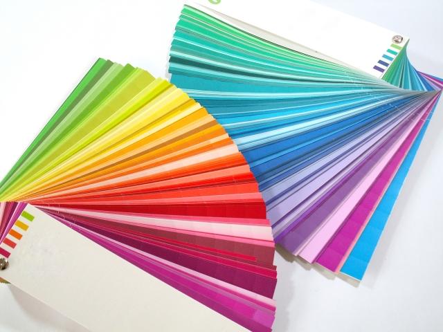 寝具の色で睡眠力UP!効果のあるのはどんな色?