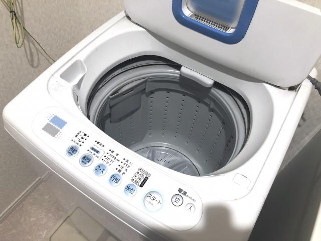 ベランダが水浸し?!洗濯機の置き方や排水ホースの延長方法