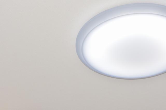 蛍光灯が睡眠にも影響?点滅・交換の少ないledがおすすめ!