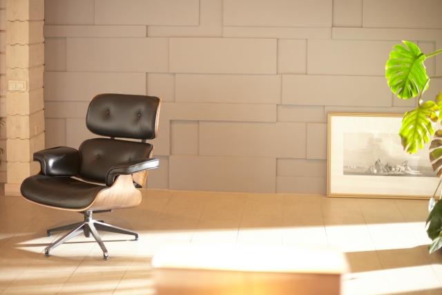 椅子の高さは健康に直結!油圧式が下がる原因と対処法は?