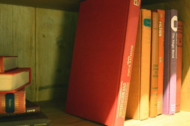 古書・洋書で落ち着いた空間に!インテリアで飾るポイント