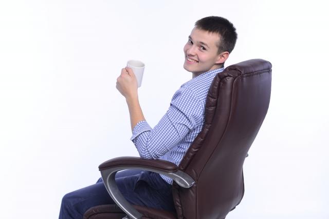 長寿命な椅子は油圧式!?姿勢を直すなどの様々な魅力