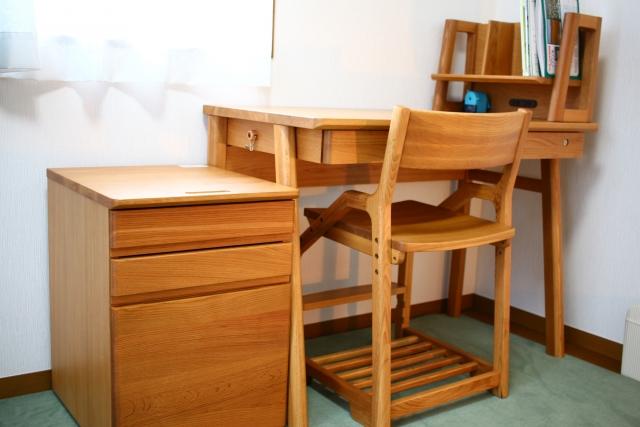 ベッドと机が一体型!子供の自立心と意欲を育てるアイテム!