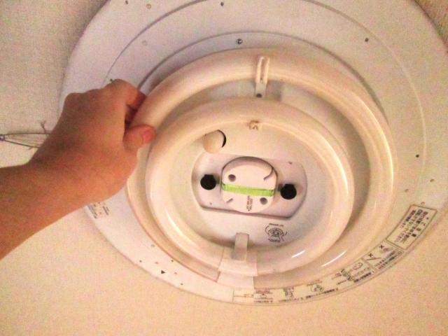 電気が点滅するのはなぜ?さまざまな原因と対処法!