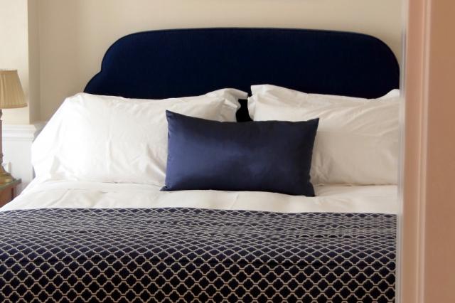 心地の良いベッドルームにしたい!インテリアのポイントは?